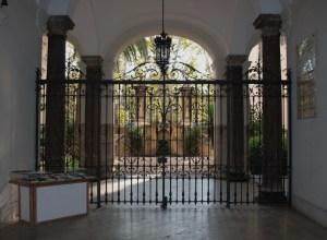 főbejárat, díszkapu